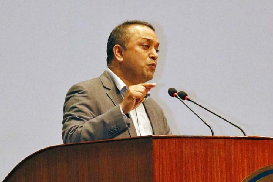 प्रधानमन्त्री ओली संसदसँग बदला लिने दाउमा : गगन थापा