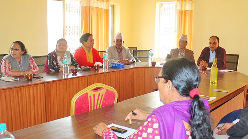 कर्णाली प्रदेश एमाले संसदीय दलको बैठकः फ्लोर क्रस गर्ने चार सांसदलाई 'कारबाही'