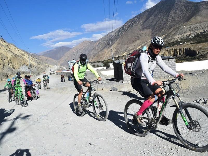 पर्यटकीय सम्भावना खोज्दै बागलुङ–ढोरपाटन साइकलयात्रा