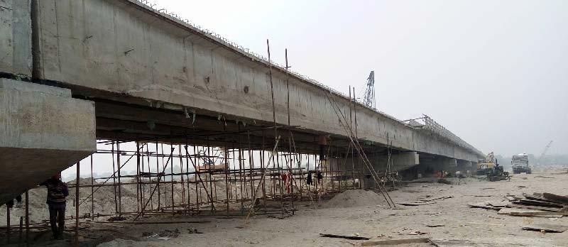 दशवर्षमा पनि बनेनन् कर्णाली राजमार्गका तेह्र पुल