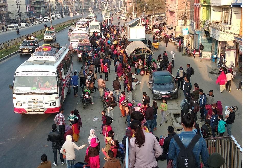 कोरोना कहरः चैत ६ पछि झण्डै पाँच लाखले छाडे राजधानी
