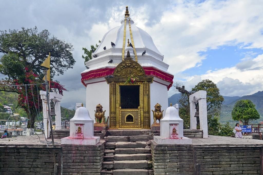 कोभिड १९ः मन्दिरमा दर्शनार्थी फाट्टफुट्ट