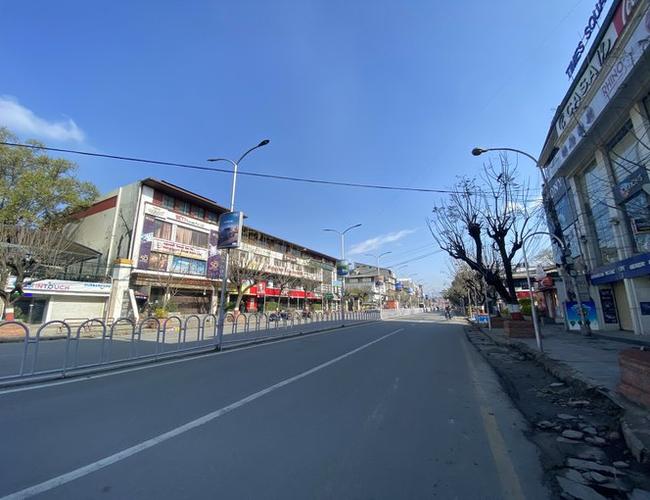 लकडाउनः ऐतिहासिक रुपमा स्वच्छ बन्यो काठमाडौं