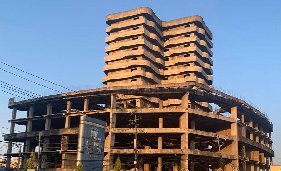 कोरोना संकट : राधेराधेको १७ तले भवन अब खाद्यान्न भण्डार