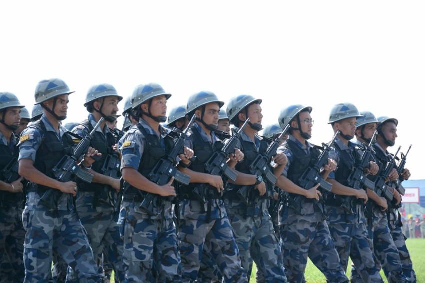 सीमामा सशस्त्र प्रहरी र जनता सँगसँगै